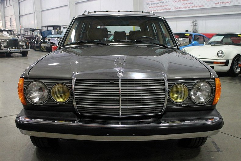 Find used 1985 mercedes 300td turbo diesel wagon only 37k for Mercedes benz grand rapids