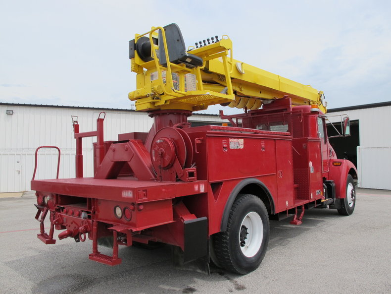 Altec Industries Vehicle