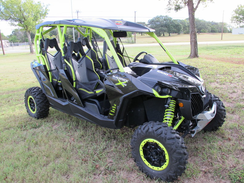 2015 Can-Am Maverick Max