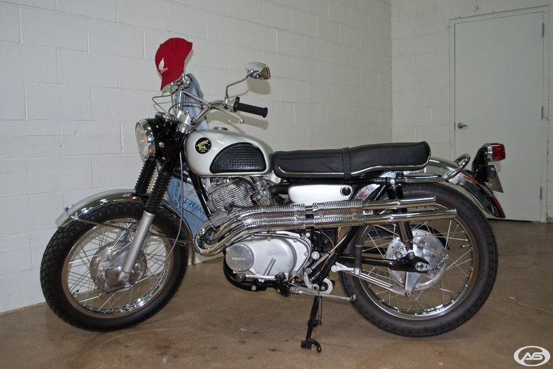 1968 Honda CL77 Scrambler 305
