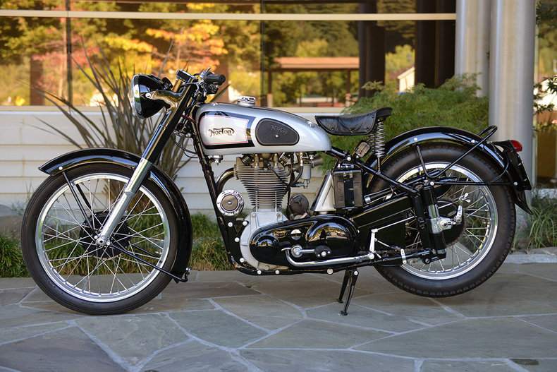 1952 Norton Motorcycle Model 30_5052