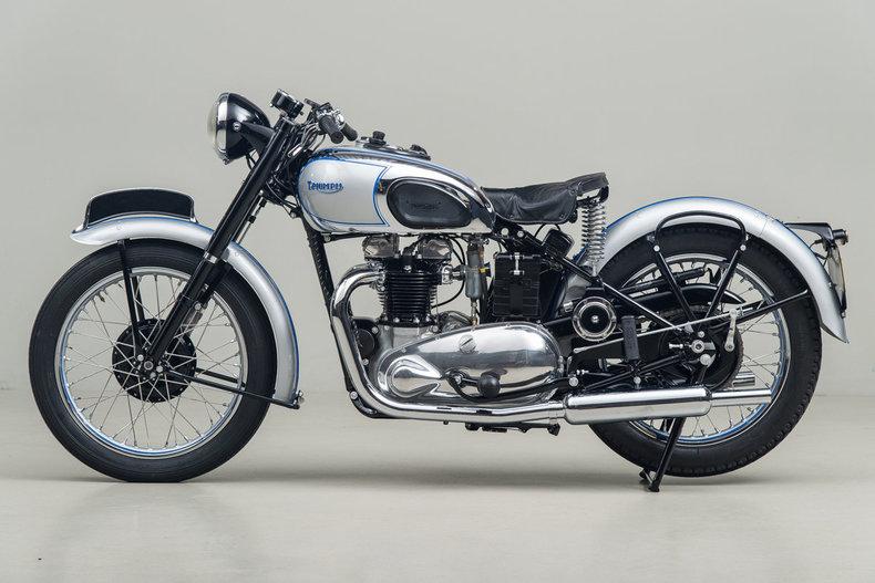 1947 Triumph T100 Tiger_5108