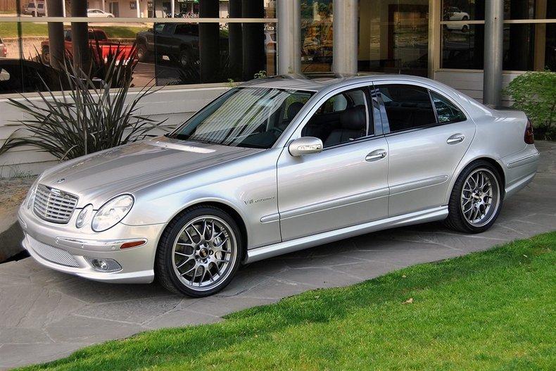2005 Mercedes-Benz E-Class E55_4383