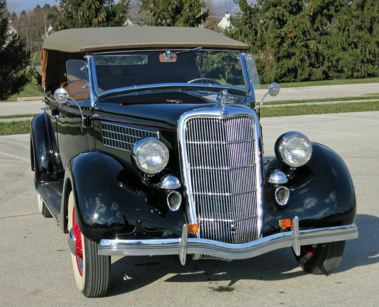 1935 Ford Deluxe