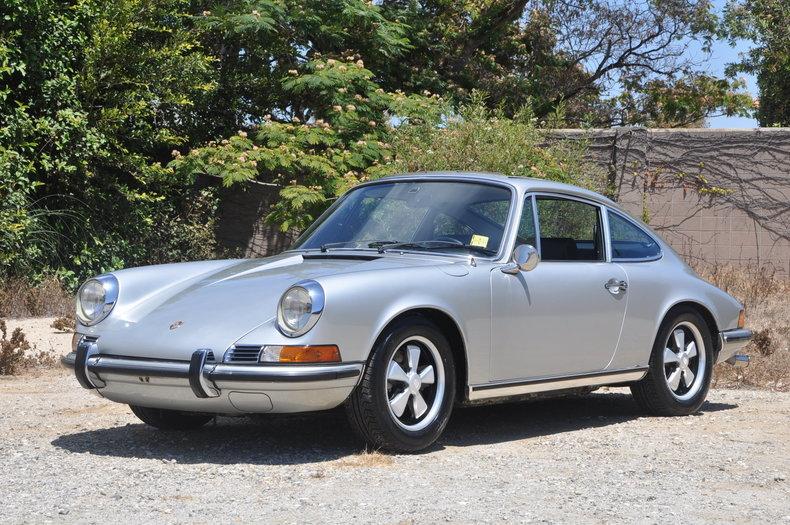 1971 Porsche 911E Sunroof Coupe