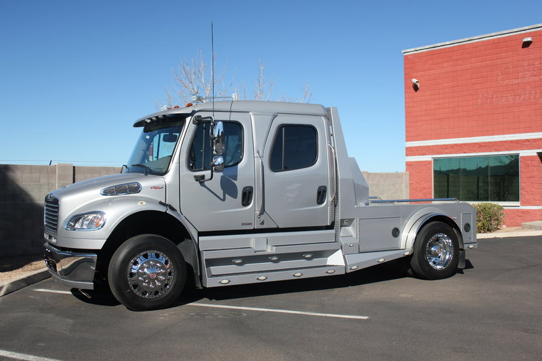 2011 Freightliner M2 Sport Chassis