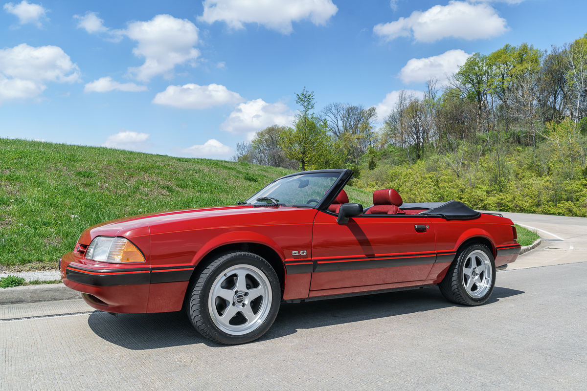 1989 ford mustang fast lane classic cars. Black Bedroom Furniture Sets. Home Design Ideas
