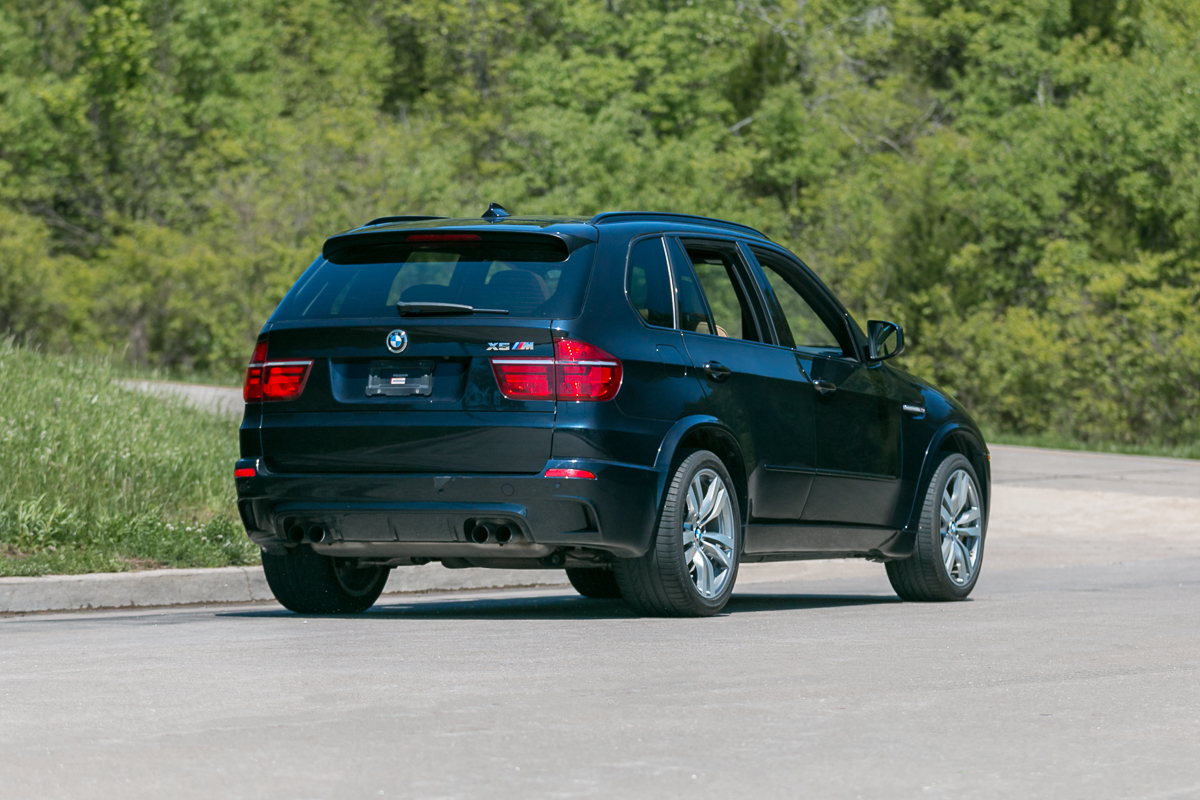 2013 bmw x5 m fast lane classic cars. Black Bedroom Furniture Sets. Home Design Ideas