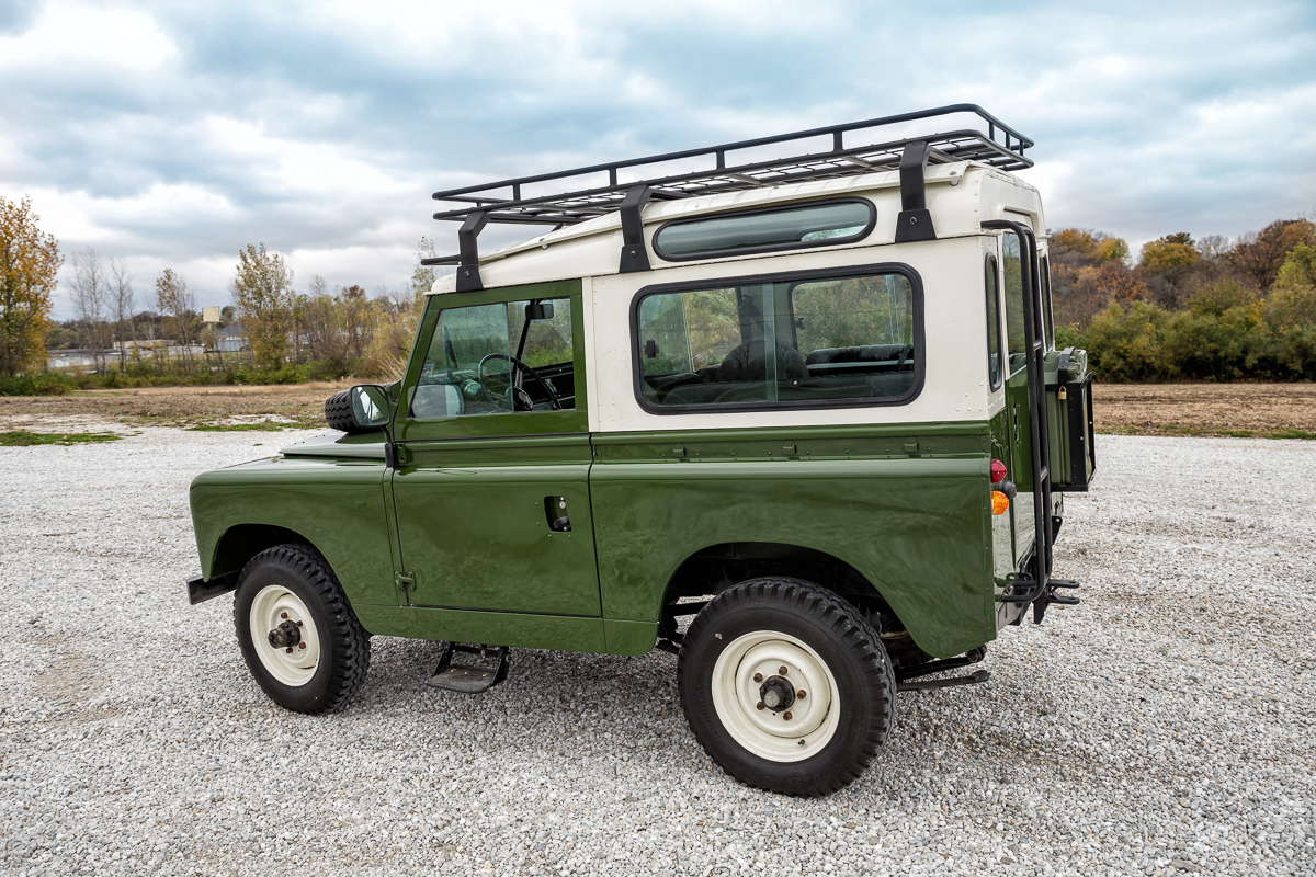 1963 Land Rover Santana Series Iia together with 122932 Tata Xenon Crew Cab Launched Downgraded Variant Xenon Xt 8 as well Img 0081 l besides Summit Bullbar For Gx And Glx 200 Series also Porsche 964 Safari Rs Rally. on safari roof rack