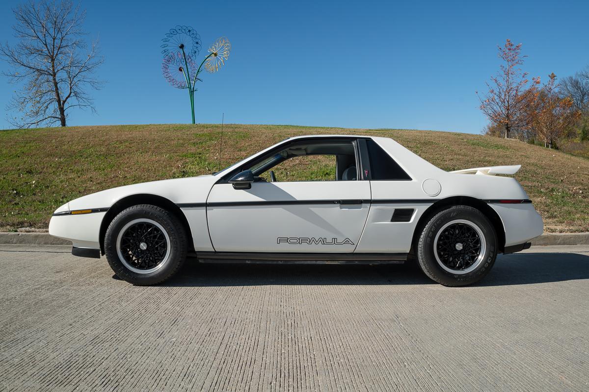 1988 pontiac fiero fast lane classic cars. Black Bedroom Furniture Sets. Home Design Ideas