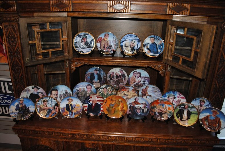 Unbelievable John Wayne Collector Plate Lot!