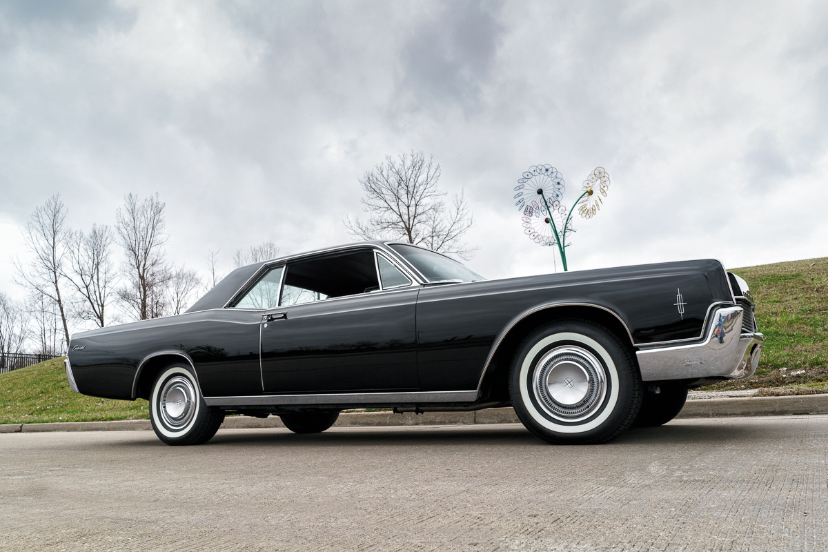 White Tire Paint >> 1966 Lincoln Continental | Fast Lane Classic Cars