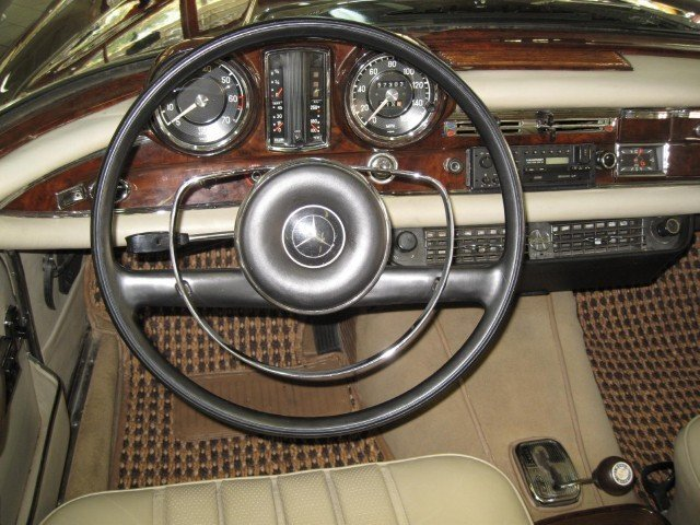 1967 1967 Mercedes-Benz 250 For Sale