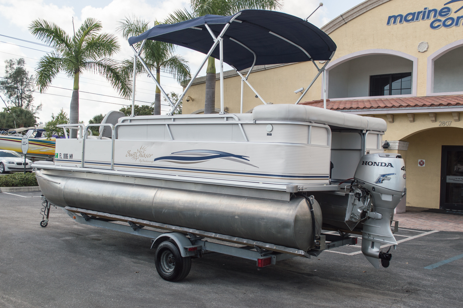 Used 2005 sun chaser 820 fish re pontoon boat for sale in for Used fishing pontoon boats for sale