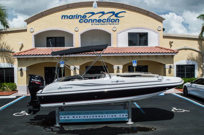 New 2015 Hurricane SunDeck Sport SS 201 OB boat for sale in Miami, FL