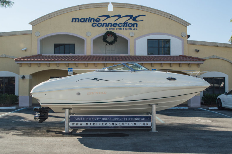 Used 1998 Rinker 21 Cuddy boat for sale in West Palm Beach, FL