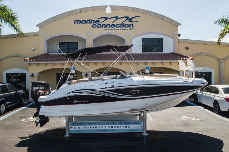 New 2015 Hurricane SunDeck Sport SS 220 OB boat for sale in West Palm Beach, FL