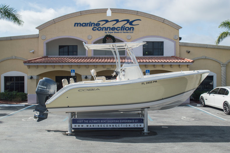 Used 2013 Cobia 217 Center Console boat for sale in West Palm Beach, FL