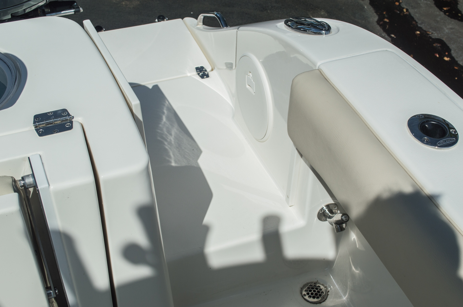 Thumbnail 16 for New 2016 Cobia 344 Center Console boat for sale in West Palm Beach, FL