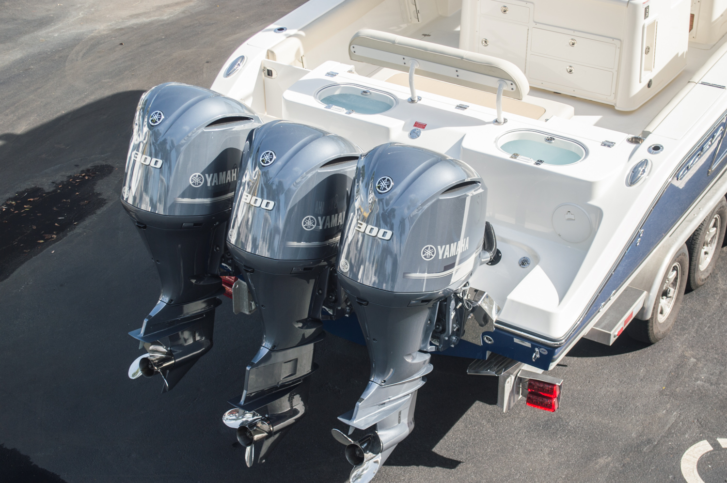Thumbnail 116 for New 2016 Cobia 344 Center Console boat for sale in West Palm Beach, FL