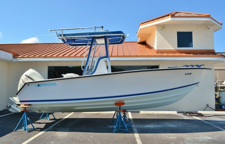 Used 2006 Contender 21 Open Fish Center Console boat for sale in Vero Beach, FL