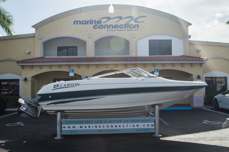 Used 1999 Larson 186 Bowrider boat for sale in West Palm Beach, FL