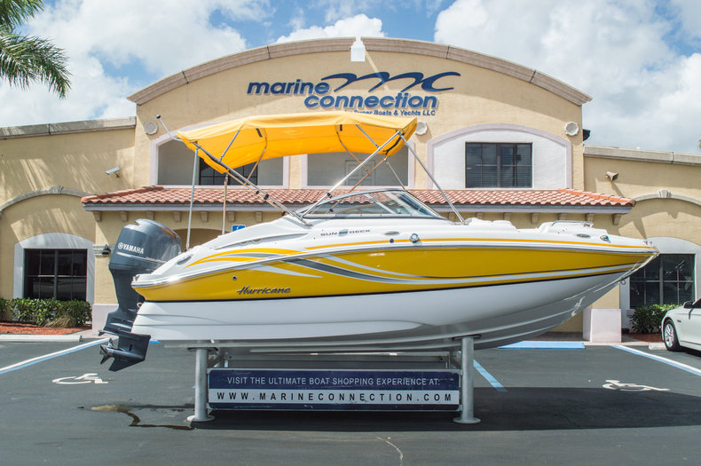 Used 2013 Hurricane SunDeck SD 2000 OB boat for sale in West Palm Beach, FL