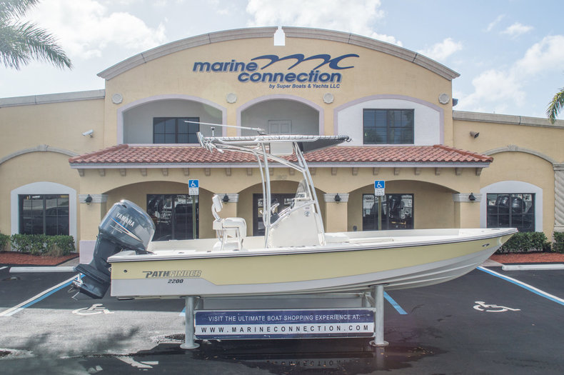 Used 2008 Pathfinder 2200 boat for sale in West Palm Beach, FL