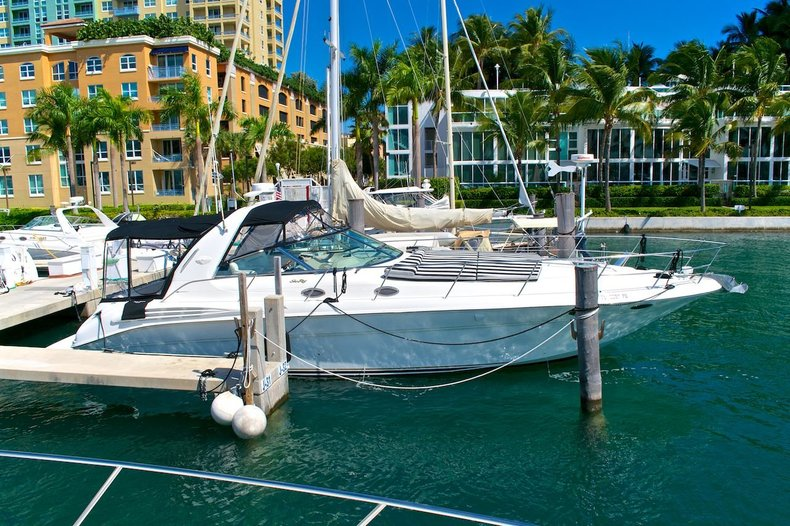 Photo for 1999 Sea Ray 400 Sundancer