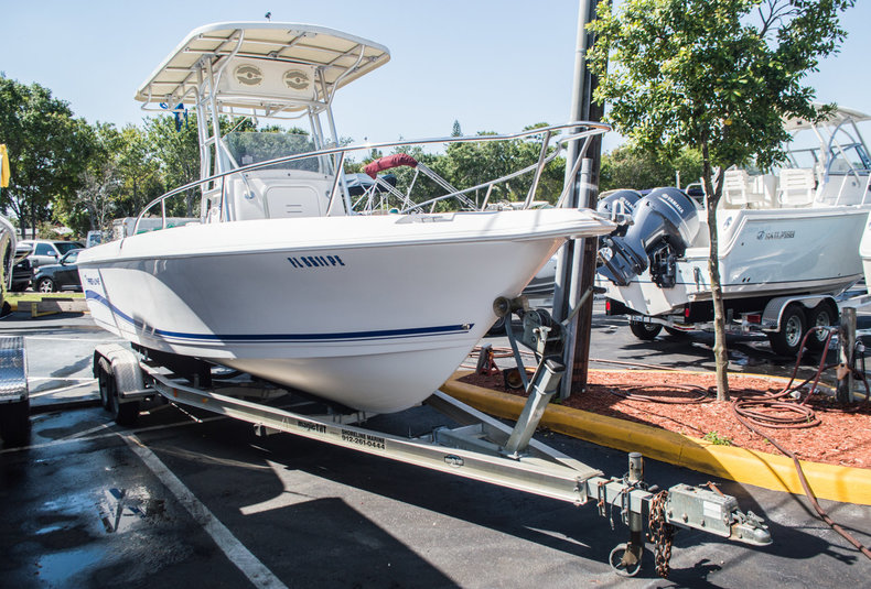 Used 2004 Pro-Line 22 Sport boat for sale in West Palm Beach, FL