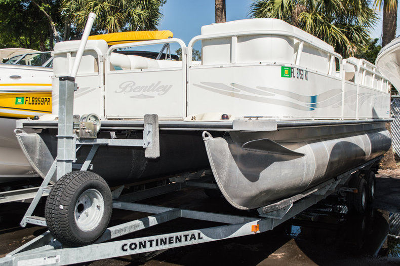 Used 2009 Bentley 220 Cruise boat for sale in West Palm Beach, FL