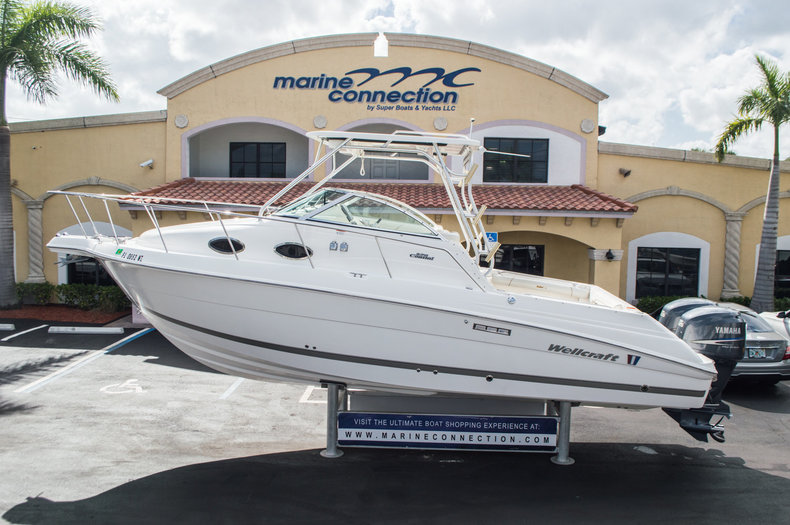 Used 2007 Wellcraft 270 COASTAL boat for sale in West Palm Beach, FL