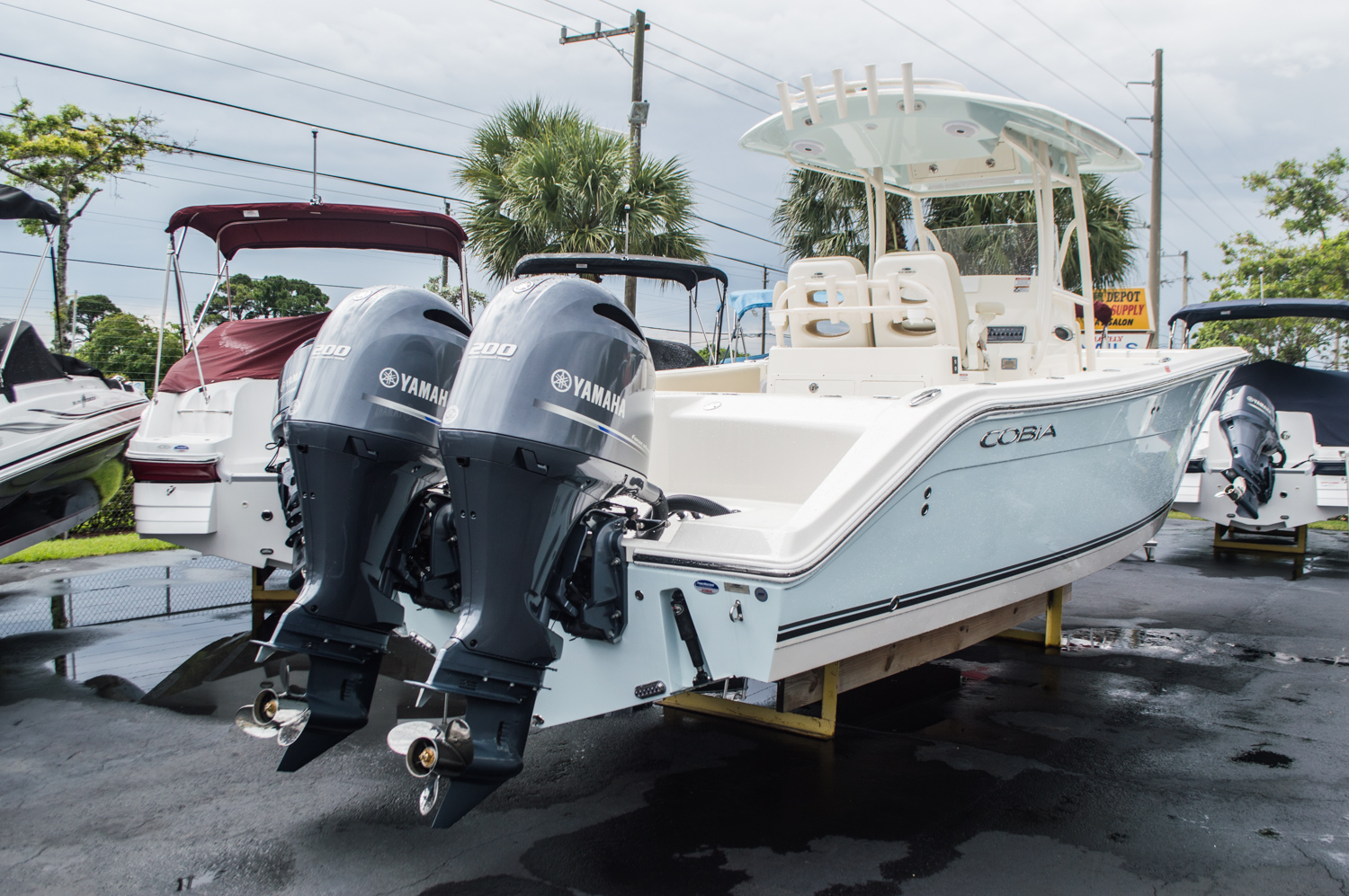 Thumbnail 1 for  2015 Cobia 277 Center Console boat for sale in West Palm Beach, FL