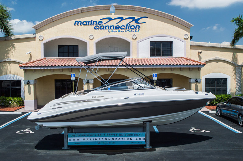 Used 2008 Yamaha 232 limited boat for sale in West Palm Beach, FL