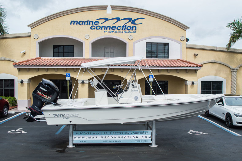 Used 2012 Pathfinder 2200 TRS Bay Boat boat for sale in West Palm Beach, FL