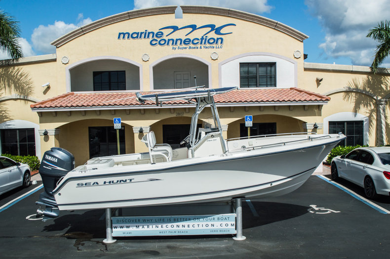 Used 2005 Sea Hunt 22 Triton boat for sale in West Palm Beach, FL