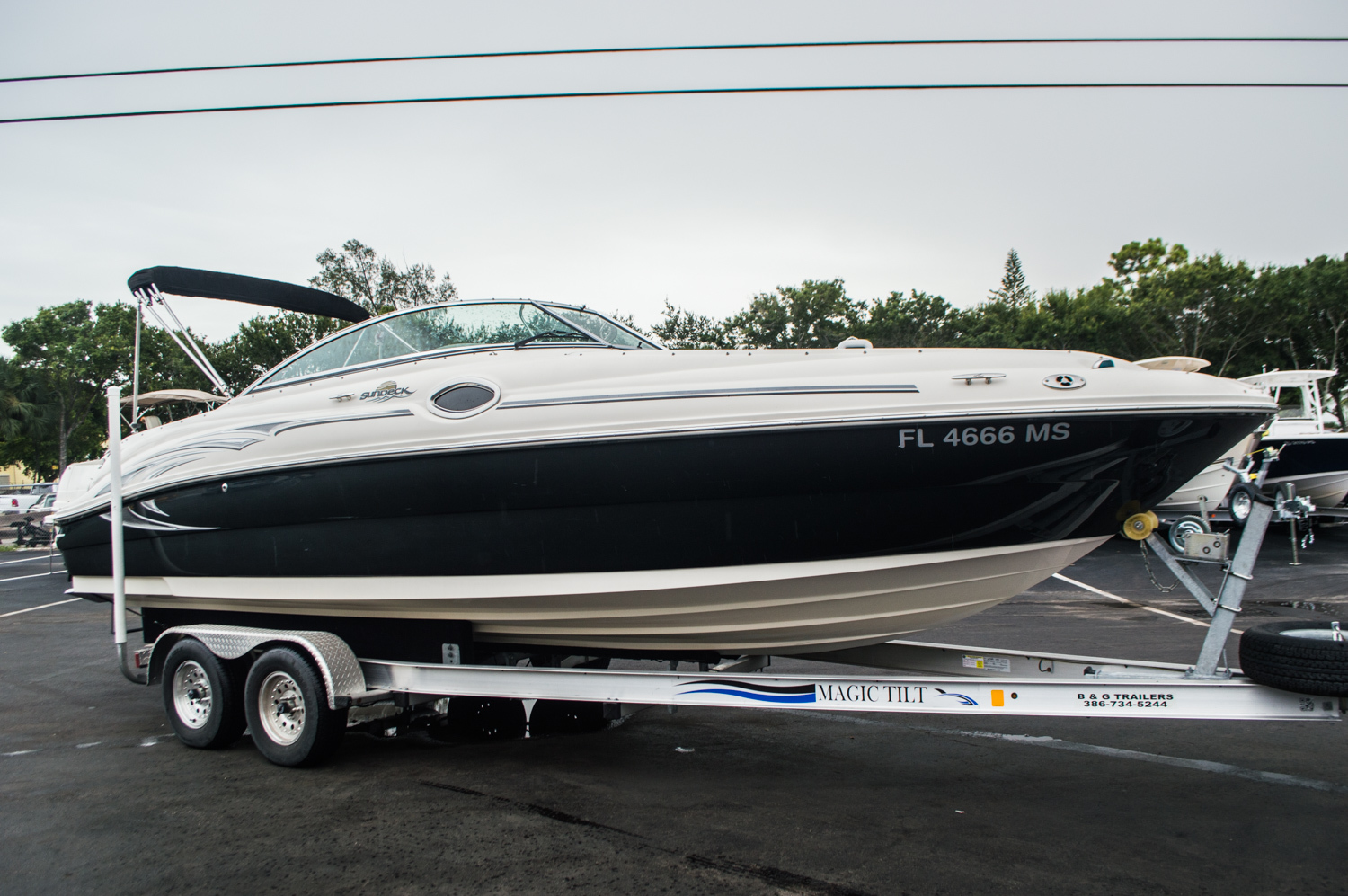 Thumbnail 1 for Used 2005 Sea Ray 240 Sundeck boat for sale in West Palm Beach, FL