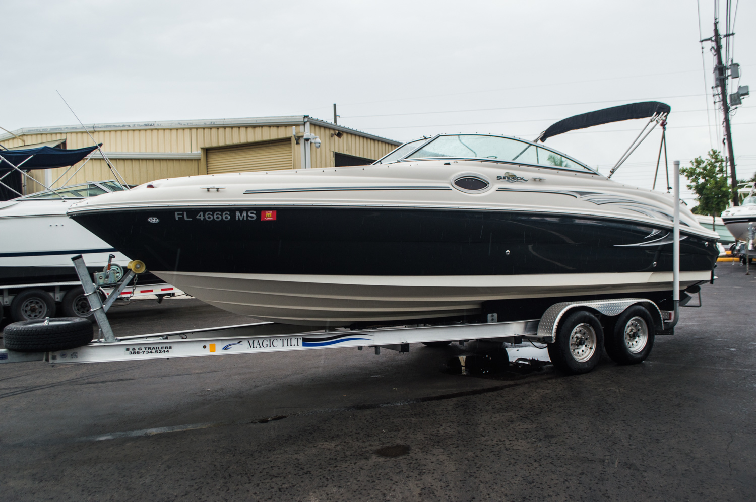 Thumbnail 3 for Used 2005 Sea Ray 240 Sundeck boat for sale in West Palm Beach, FL