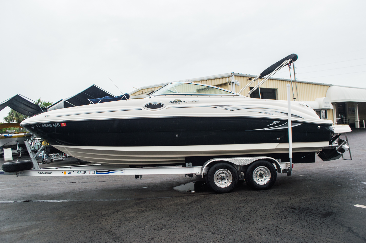 Thumbnail 4 for Used 2005 Sea Ray 240 Sundeck boat for sale in West Palm Beach, FL