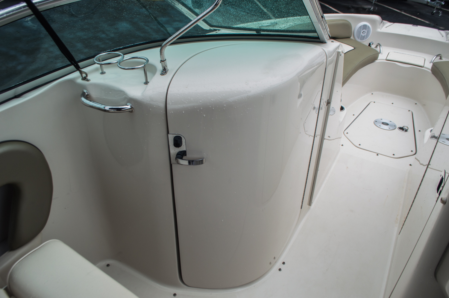 Thumbnail 22 for Used 2005 Sea Ray 240 Sundeck boat for sale in West Palm Beach, FL