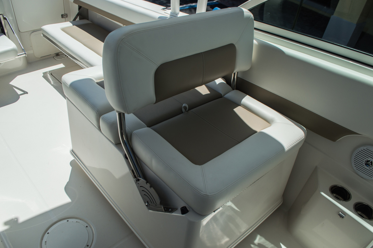 Thumbnail 41 for New 2016 Sailfish 275 Dual Console boat for sale in West Palm Beach, FL