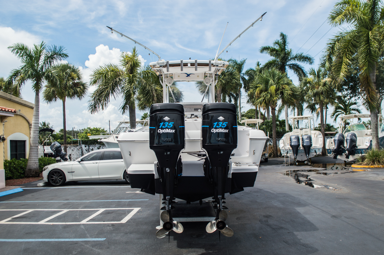Thumbnail 6 for Used 2004 Pro-Line 25 Sport boat for sale in West Palm Beach, FL