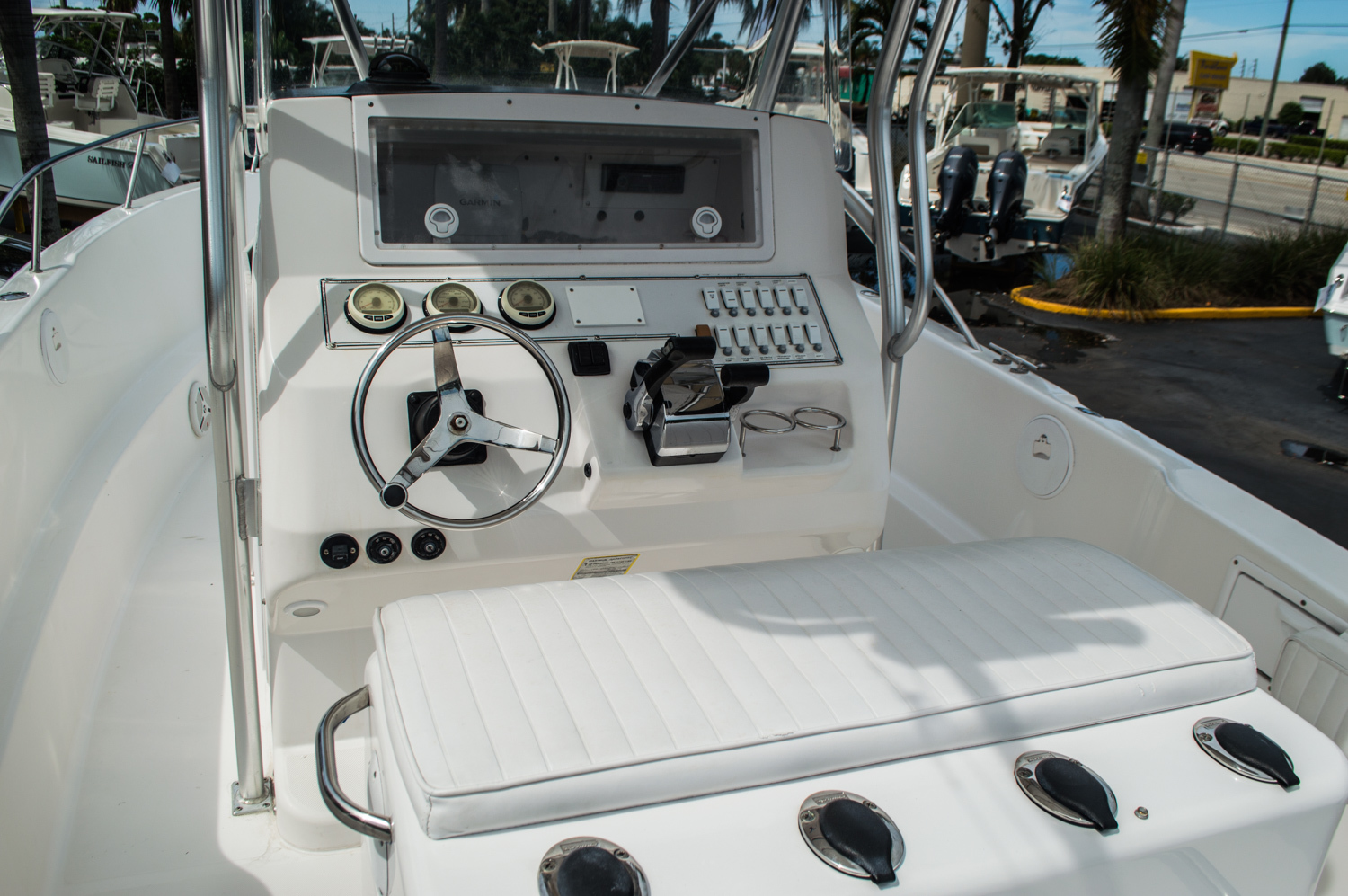 Thumbnail 22 for Used 2004 Pro-Line 25 Sport boat for sale in West Palm Beach, FL