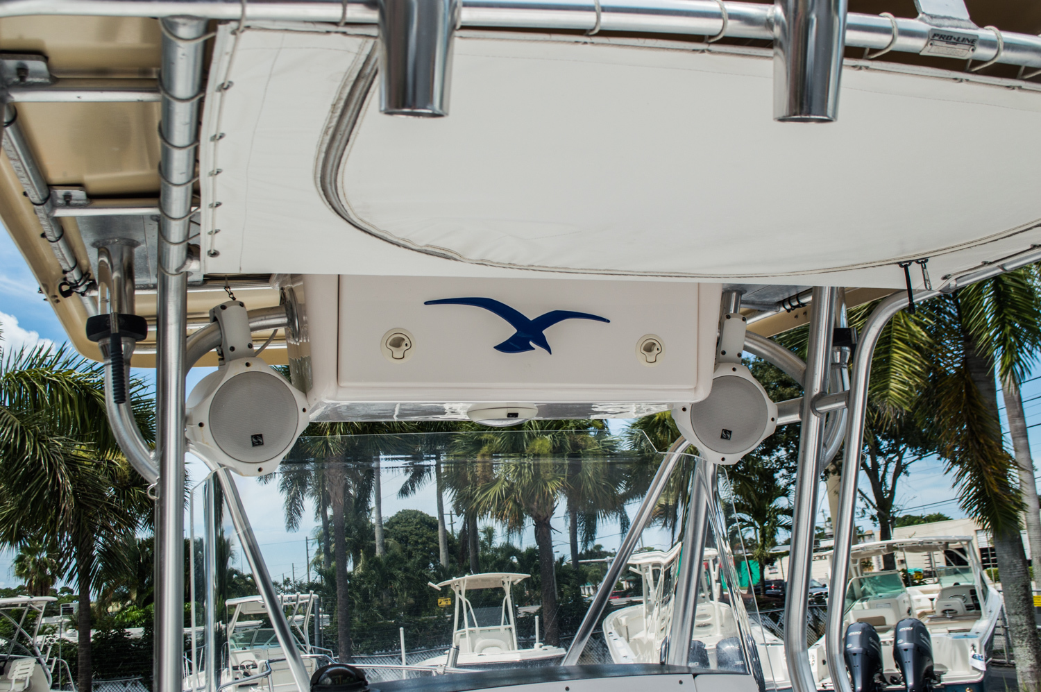 Thumbnail 23 for Used 2004 Pro-Line 25 Sport boat for sale in West Palm Beach, FL