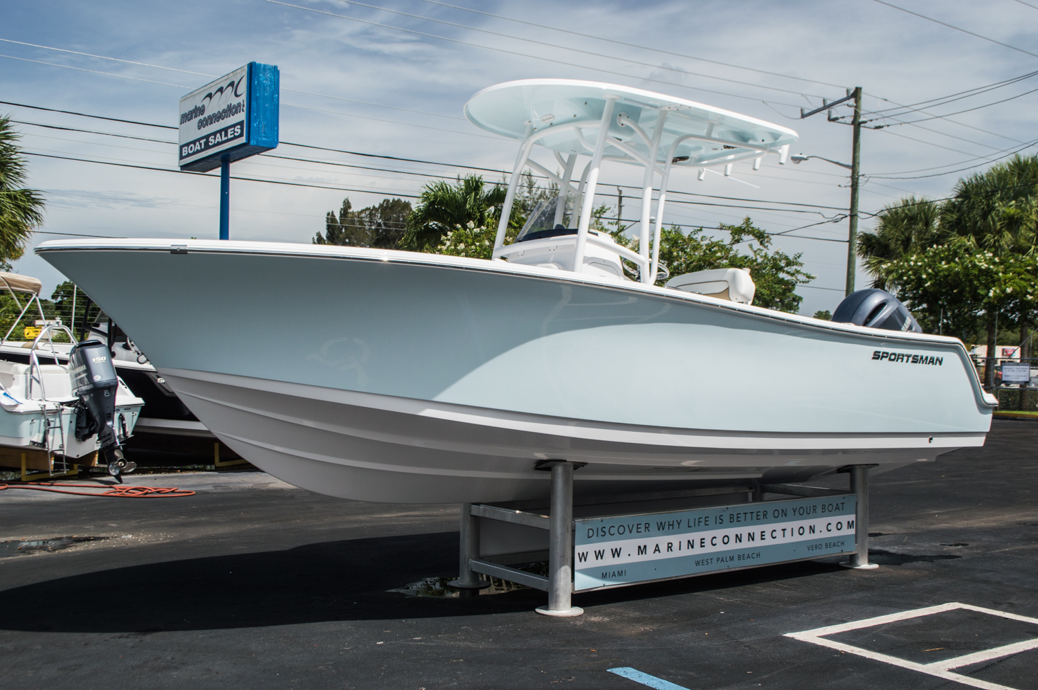 Thumbnail 3 for New 2016 Sportsman Open 232 Center Console boat for sale in West Palm Beach, FL