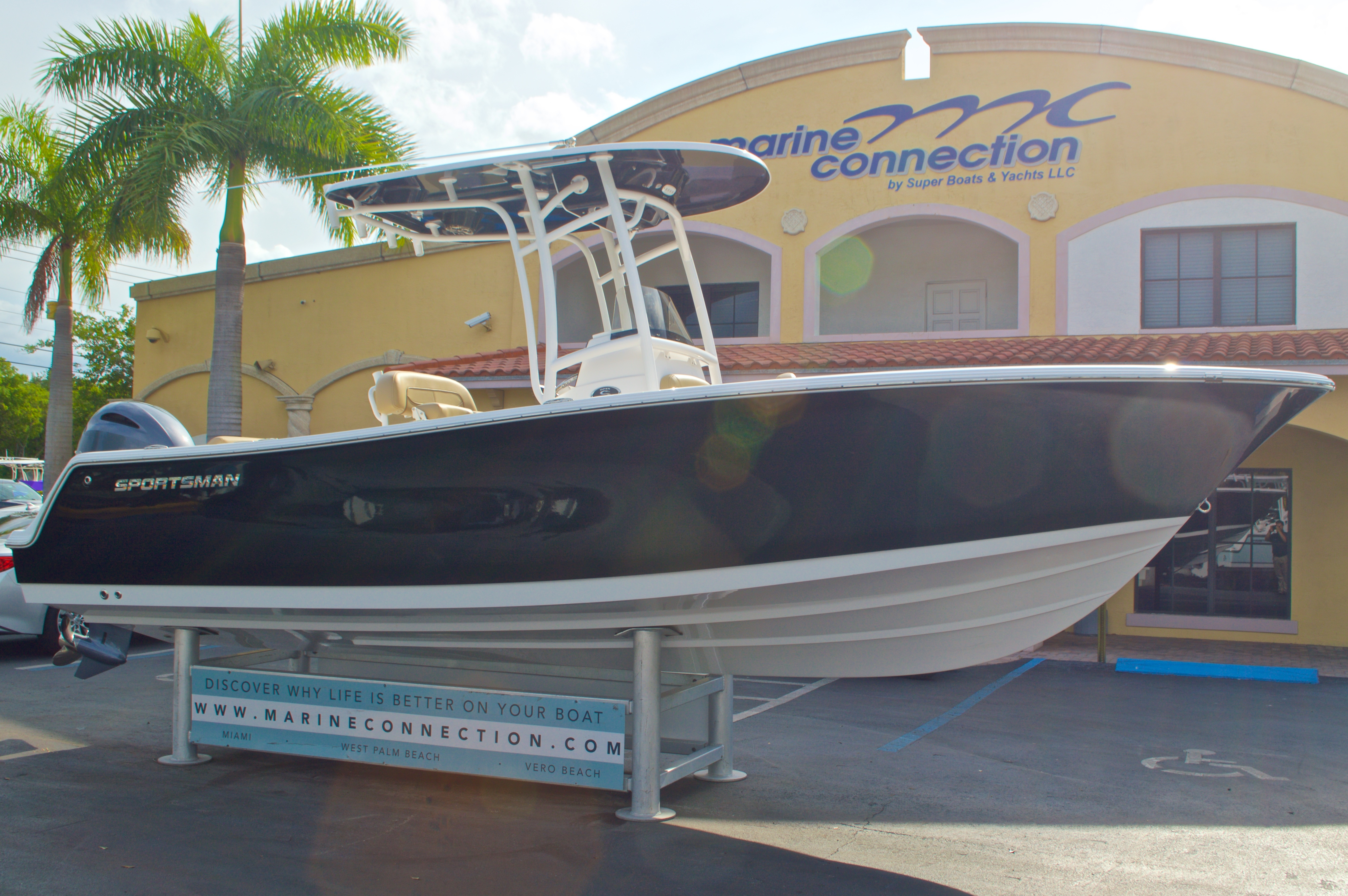 Thumbnail 1 for New 2016 Sportsman Open 232 Center Console boat for sale in Vero Beach, FL