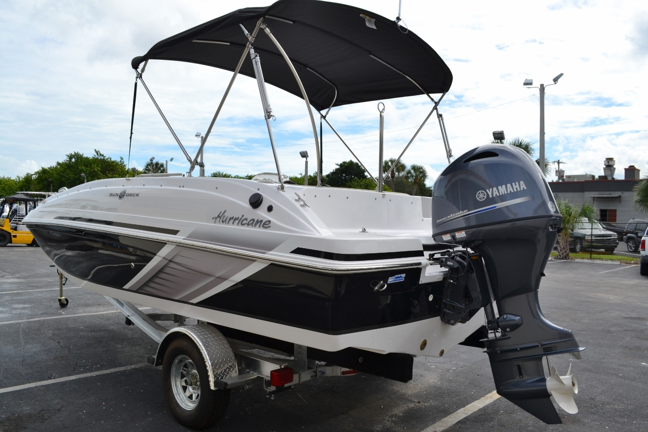 Thumbnail 4 for New 2016 Hurricane SunDeck Sport SS 188 OB boat for sale in Miami, FL