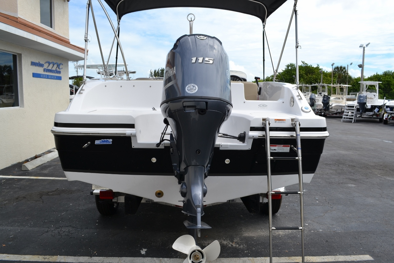 Thumbnail 5 for New 2016 Hurricane SunDeck Sport SS 188 OB boat for sale in Miami, FL