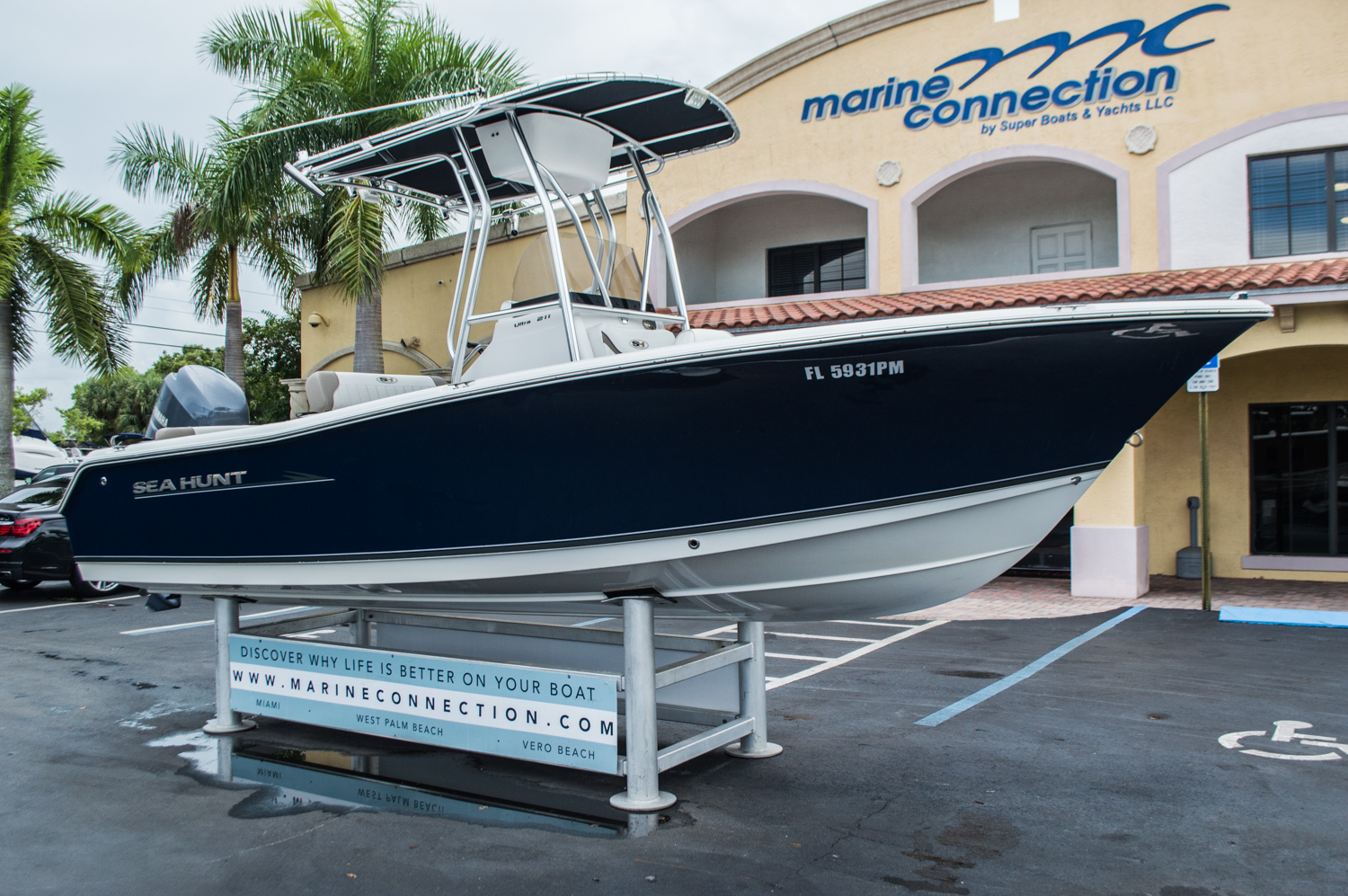 Thumbnail 1 for Used 2012 Sea Hunt 211 Ultra boat for sale in West Palm Beach, FL