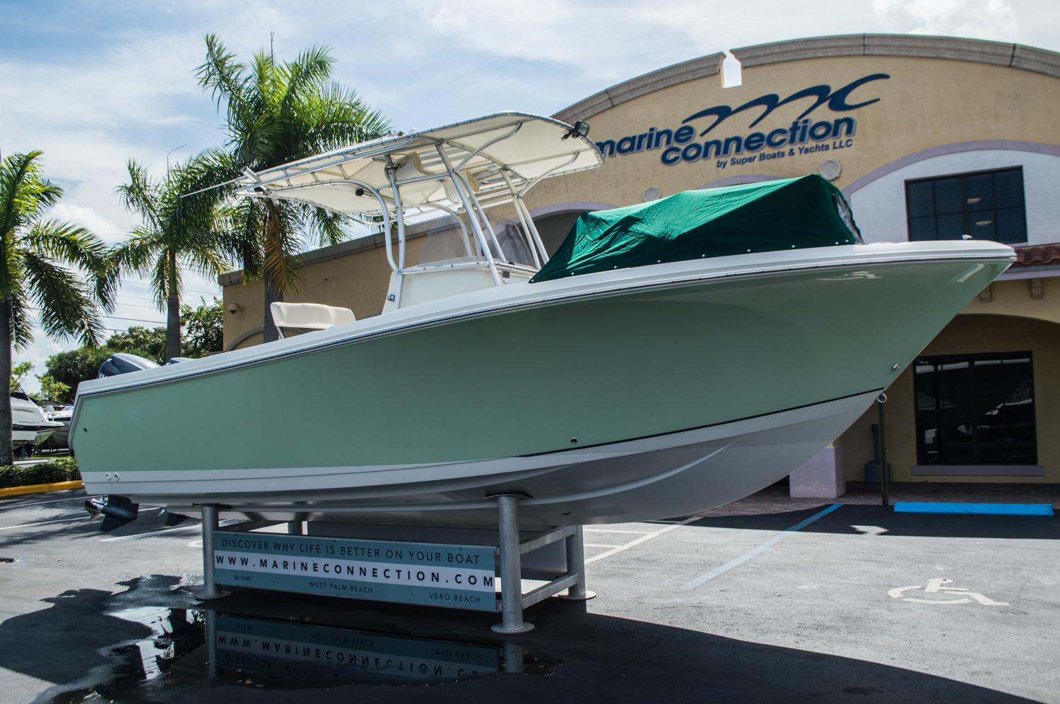 Thumbnail 9 for Used 2006 Sailfish 2360 CC Center Console boat for sale in West Palm Beach, FL